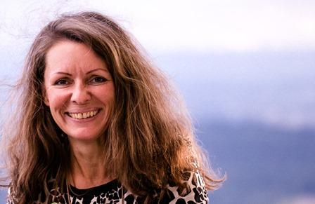 Christina Schnitzler zeigt, welche Ernährung dich glücklich und zufrieden macht