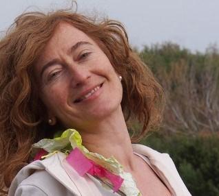Claudia Liedtke designt Schmuck voller Poesie
