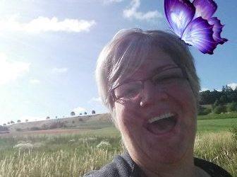 Birgit Krupka hat sich mit dem Helenenhof das große Glück erschaffen und verteilt es großzügig
